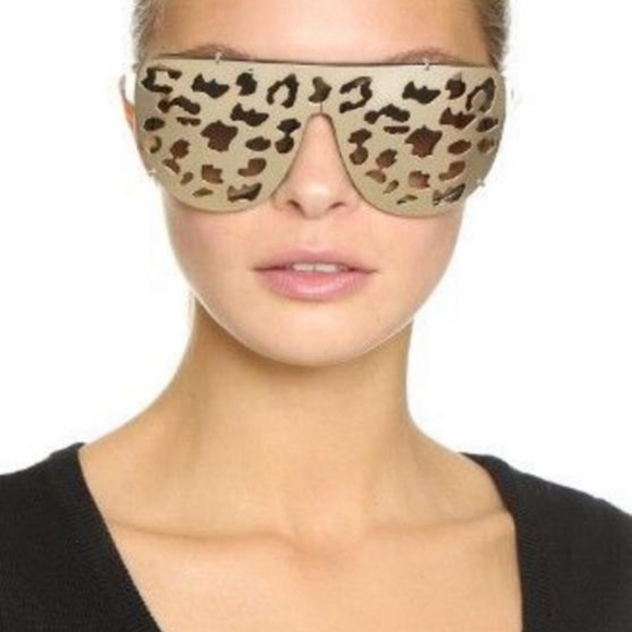 9a4a2e6adb62 Matthew Williamson X LINDA FARROW LEOPARD CLIP-ON
